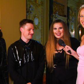 Солістка гурту KAZKA розповіла, чи критикують її за зайві кілограми