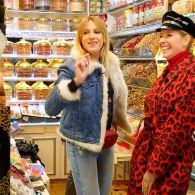 Как Леся Никитюк в Турции с мужчинами заигрывала и на Гранд-базаре торговалась