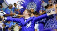 Як Дмитро Комаров самбу у бразильській школі танцю виконував