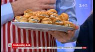 Єгор Гордєєв протестував рецепт солоних еклерів із сирною начинкою