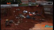 В столице Бразилии четыре машины ушли под землю из-за обвала