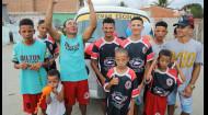 Дмитрий Комаров вручил большой подарок семье бразильских футбольных чемпионов