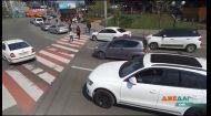 Чиновники вигадали, як змусити українців дивитися по сторонах на дорозі