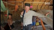 Дмитро Комаров відчув на собі ефект місцевої жувальної самокрутки племені Яномамі