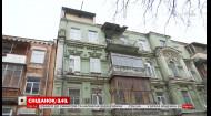 Незаконна надбудова може зруйнувати столітній будинок в історичній частині Києва – пряме включення
