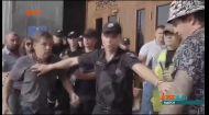 В Одессе во время потасовки блогер укусил своего оппонента за нос