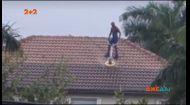У США Людина-павук чистила дах шваброю для підлоги