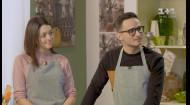 Едим за 100. Готовим рыбу с казахским соусом вместе с Игорем и Анной Ласточкиными
