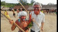 Красочный праздник в честь поминок у племени Яномами