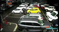 В місті Перт розтрощили тридцять машин за одну ніч