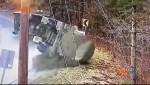 В Вермонте водитель не вписался в поворот и опрокинул цистерну с молоком