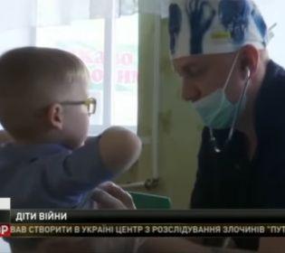Лікарі-волонтери завітали у прифронтову зону, щоб оглянути місцевих дітей