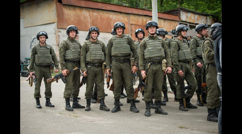 """Гвардія підтримала """"Гвардію"""": як справжні нацгвардійці у кіно знімались"""