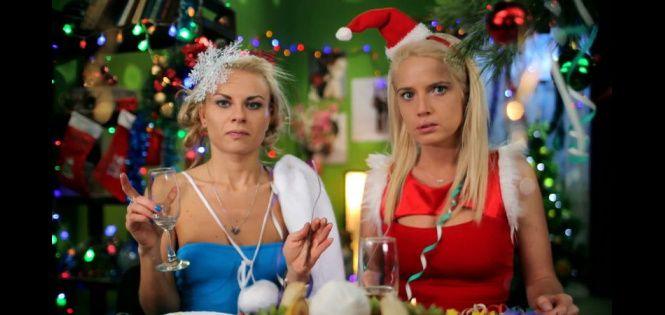 Даша и Кристина серьёзно готовятся к Новому году