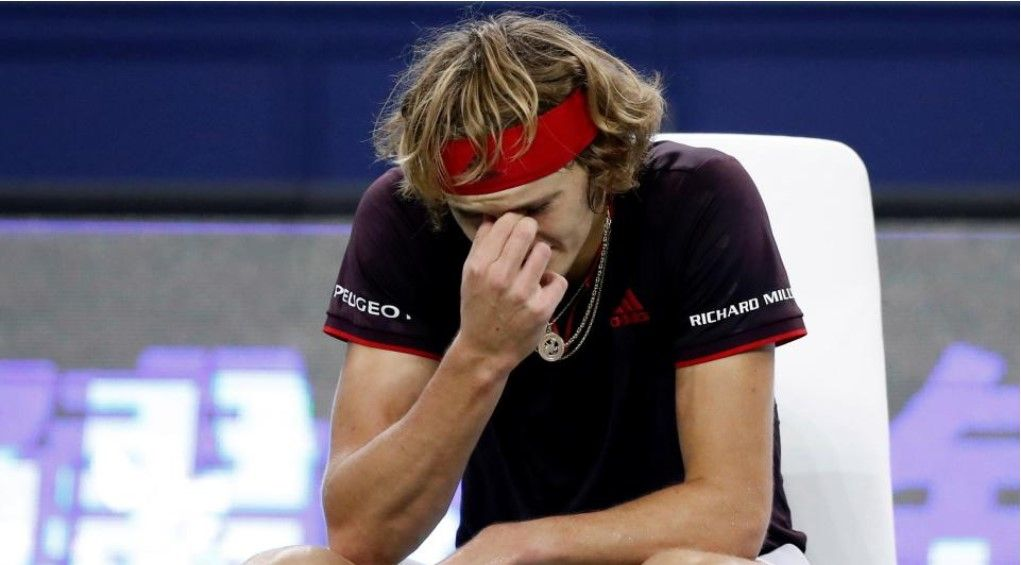 Німецький тенісист розлютився і розтрощив ракетку