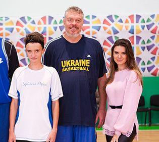 Олександра Лобода збирає кошти для хворого хлопчика
