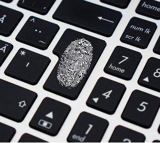 Українське ноу-хау: пристрій, який зберігає всі паролі