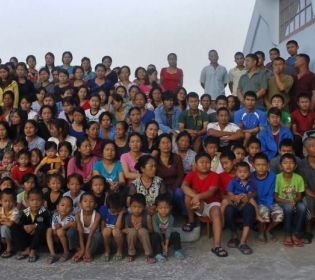 Найбільша родина світу: як 192 людини живуть під одним дахом?