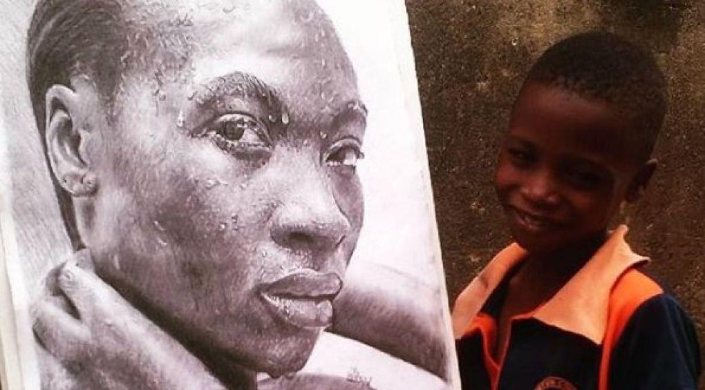 11-річний хлопець з Нігерії створює вражаючі гіперреалістичні малюнки