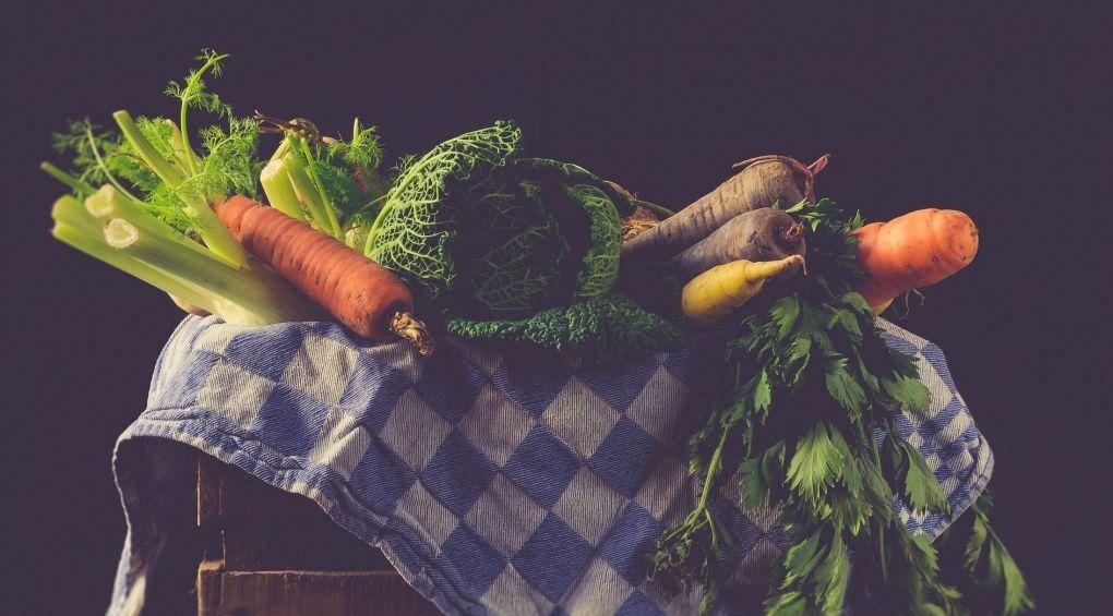 Японець перетворює овочі на музичні інструменти