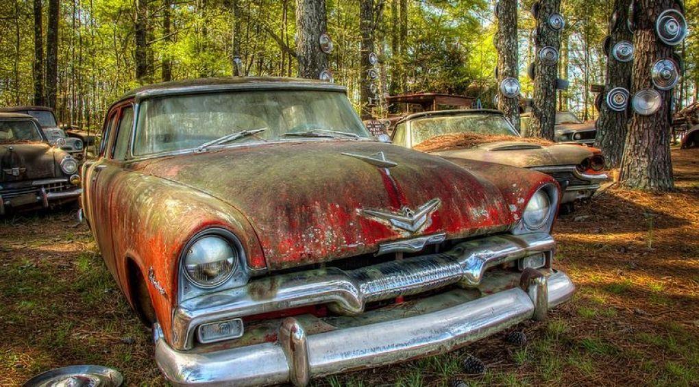 Найбільше в світі кладовище старих автомобілів