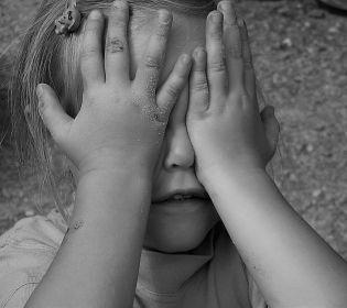 Кілька тижнів поспіль харківських дітей тероризував збоченець