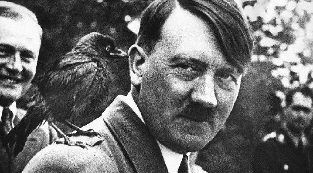 Розвідка США: Адольф Гітлер мав схильність до гомосексуалізму
