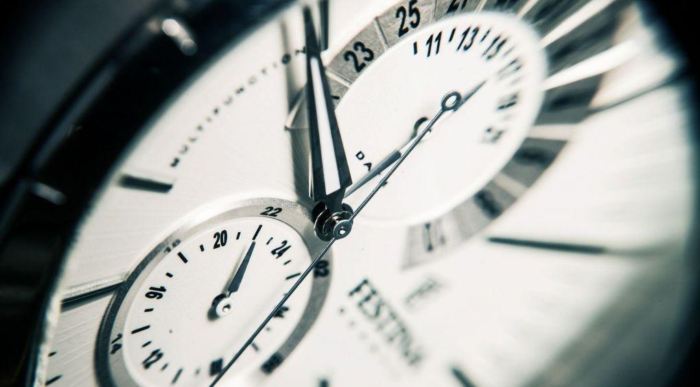 Зимнее время: когда переводить стрелки часов