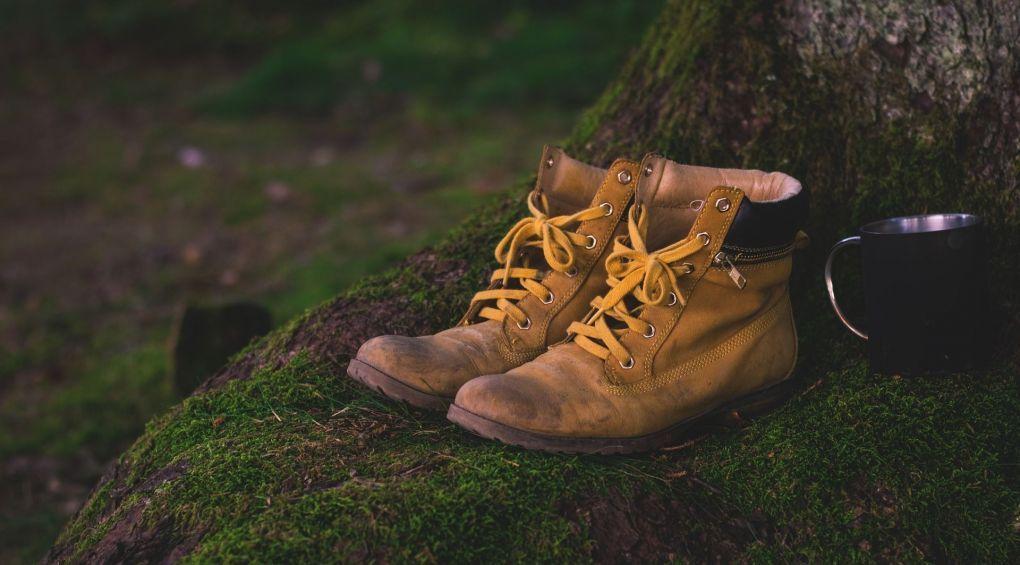 Лайфхаки: як позбутись неприємного запаху взуття