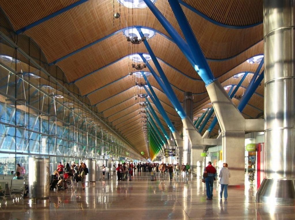 Фотодобірка найгарніших аеропортів світу 8