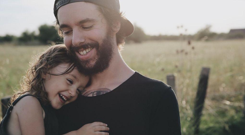 Як виховання батька впливає на розвиток дитини