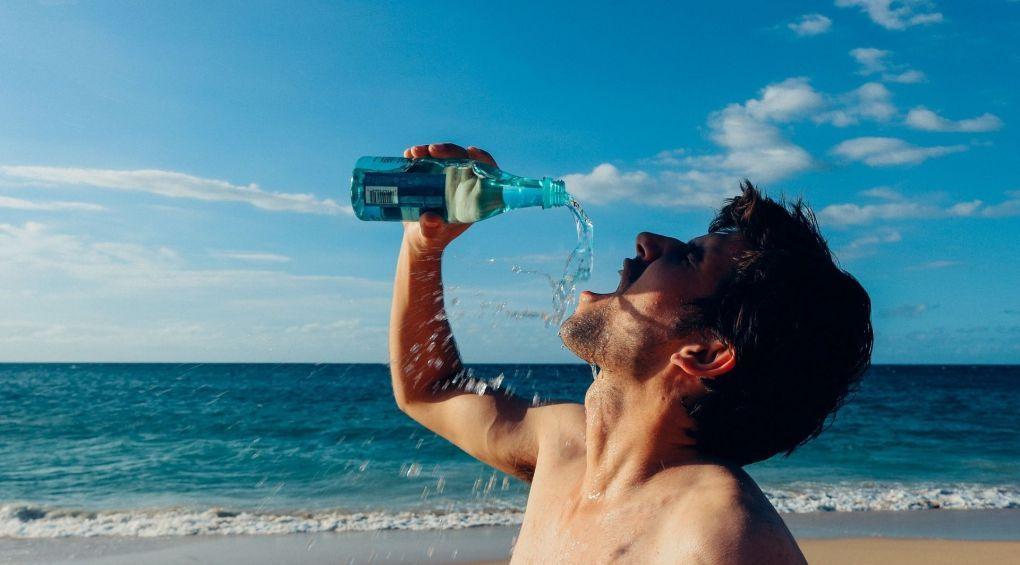 Пити чи не пити: найпоширеніші міфи про воду