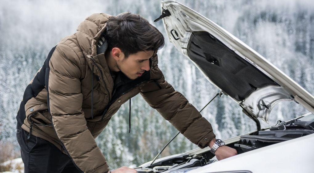 Зимние привычки водителя, которые убивают машину