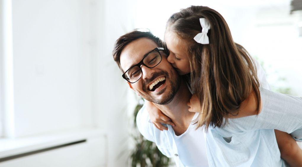 Топ-10 правил спілкування батька з донькою