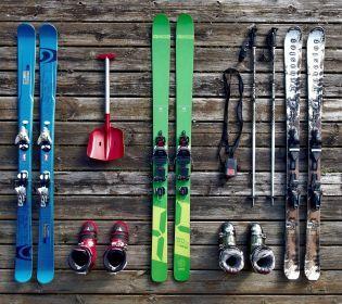 Зимовий відпочинок: як обрати лижі за зростом