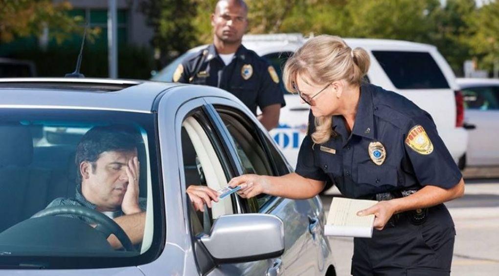 Автолайфхаки: как себя вести, если остановила полиция (эксклюзивный видеокомментарий адвоката)