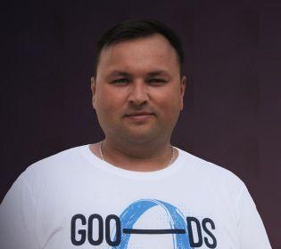 """""""Сподіваюся, знімальна група приготує для мене тортик"""", – Артем Мартинішин сьогодні святкує День народження"""