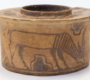 Англичанин хранил в древнем артефакте зубные щетки