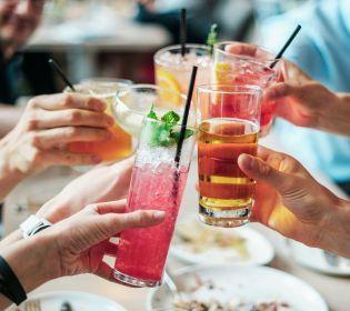 Корисно чи шкідливо пити алкоголь?