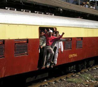 Як проїхатися у індійському потязі і вижити