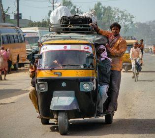 ДЖЕДАІ узнали, как работают индийские перевозчики