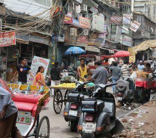 Як в Делі вирішують нестачу парковок