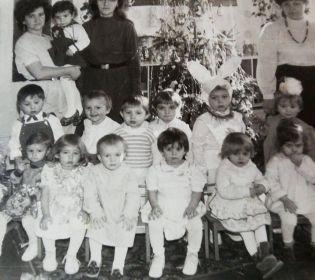 Новорічні дитячі фото зірок 2+2