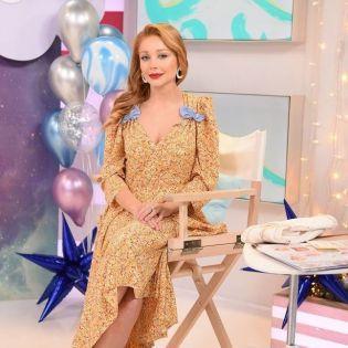 Изысканная и грациозная: Тина Кароль украсила золотой номер журнала Viva!