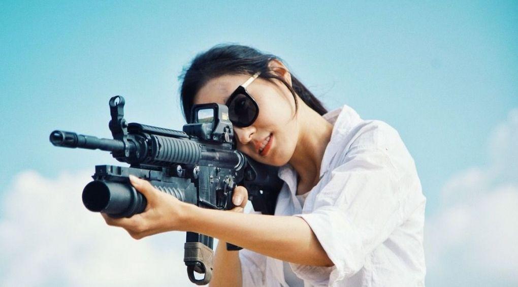 Сексуальні та небезпечні: жіночі професії, що вражають
