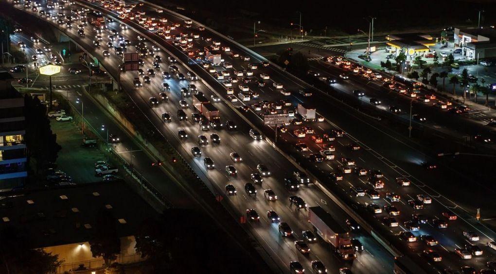 Пробка на дорозі: як поводитися водію