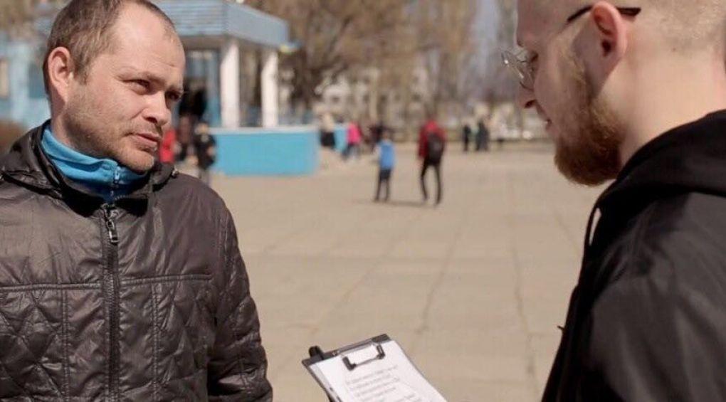 Известный блогер Станислав Кондрашов опросил украинцев, чтобы выяснить, разбираются ли они в политике