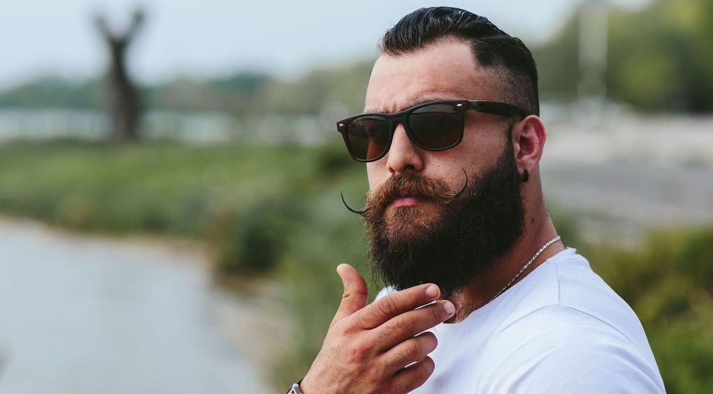 Почему женщинам нравятся мужчины с бородой?