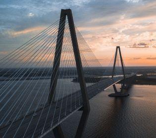 Південний міст знову тріщить по швах