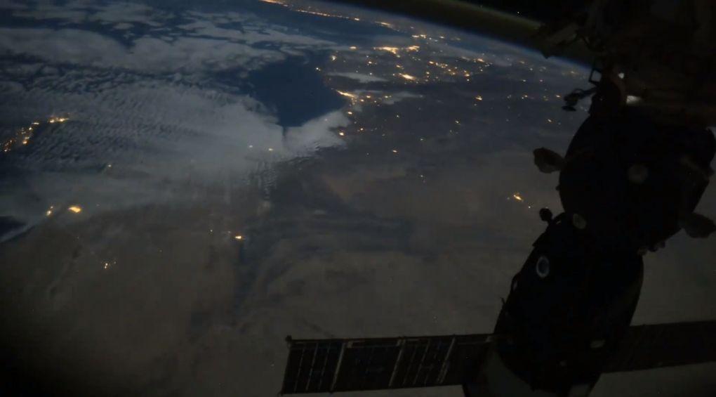 Космонавт показав ніч на Землі з космосу (відео)